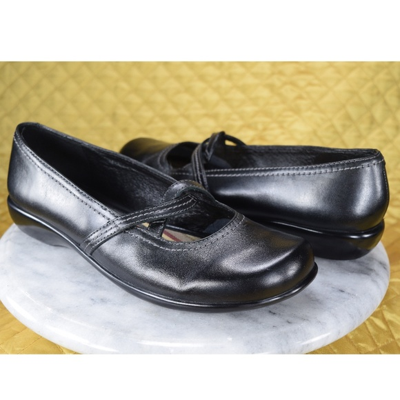 Clarks Geraldine Black Leather Mary Jane Flats Shoes 8 Sale!